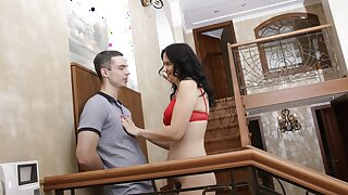 MATURE4K. Full-grown in red bra takes stepson's gat deeply